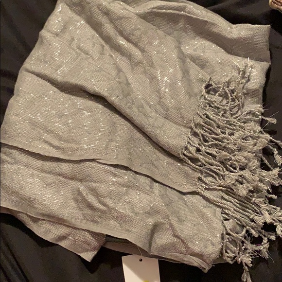 Cejon Accessories - Grey scarf with silver specks